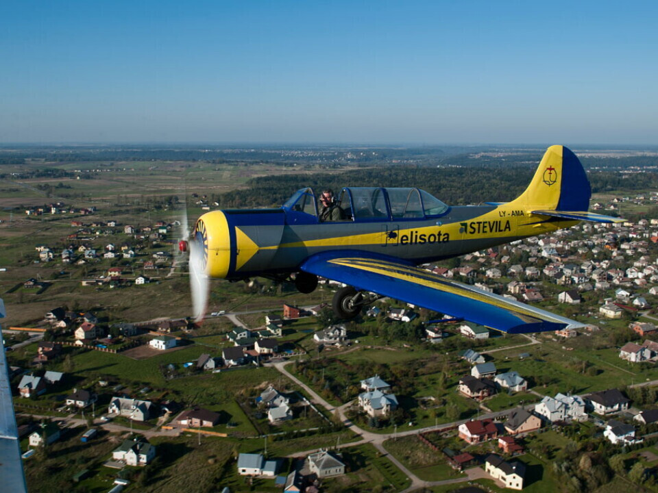 Akrobatinis skrydis su profesionaliu pilotu