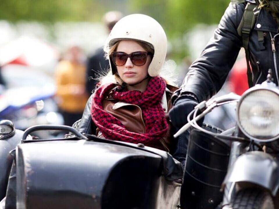 Pasivažinėjimas senoviniu motociklu lopšyje