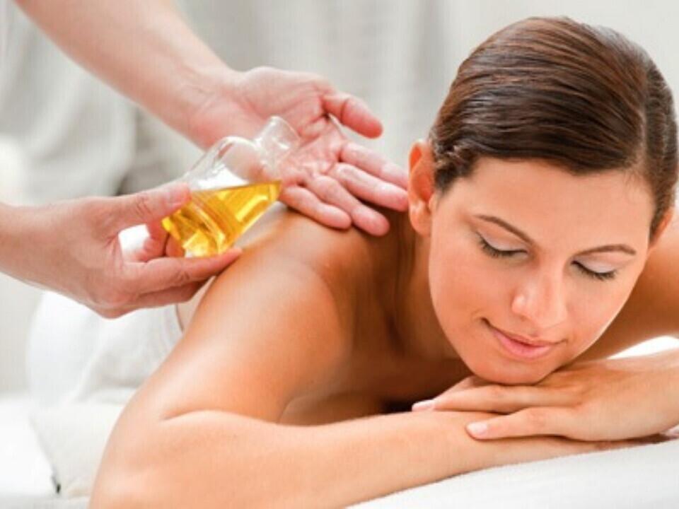 Tailandietiškas aromaterapinis viso kūno masažas su aliejais