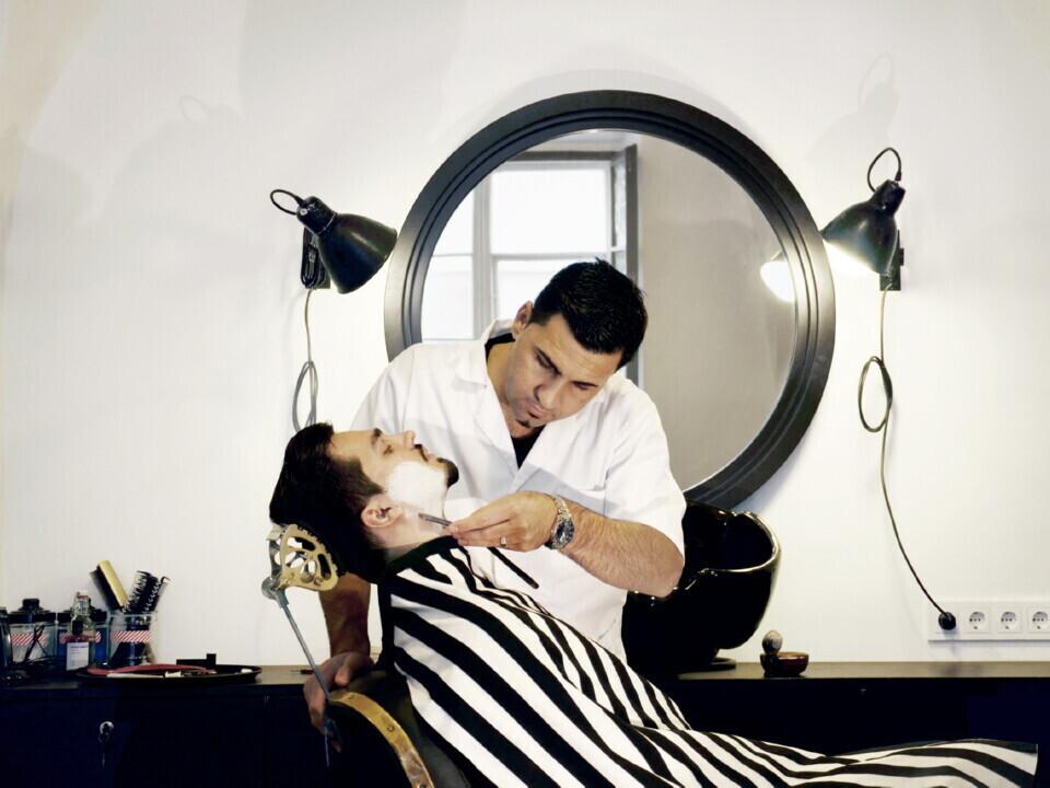 Barzdos skutimas ir formavimas