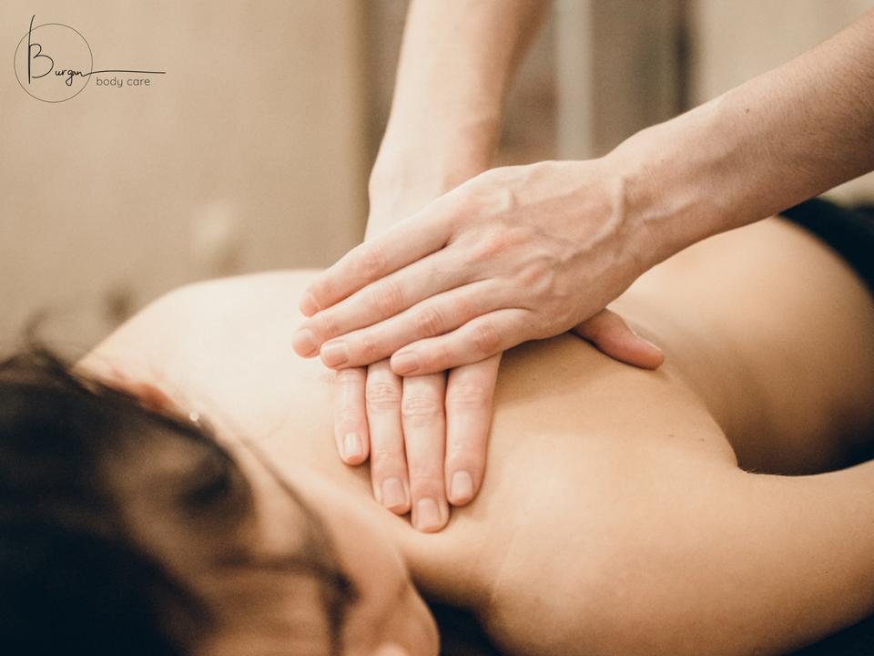 Klasikinis viso kūno masažas jai