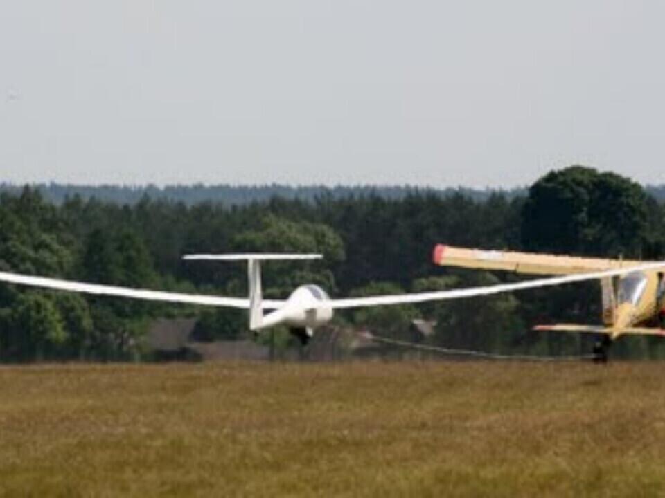 Mokomasis skrydis sklandytuvu Pociūnuose