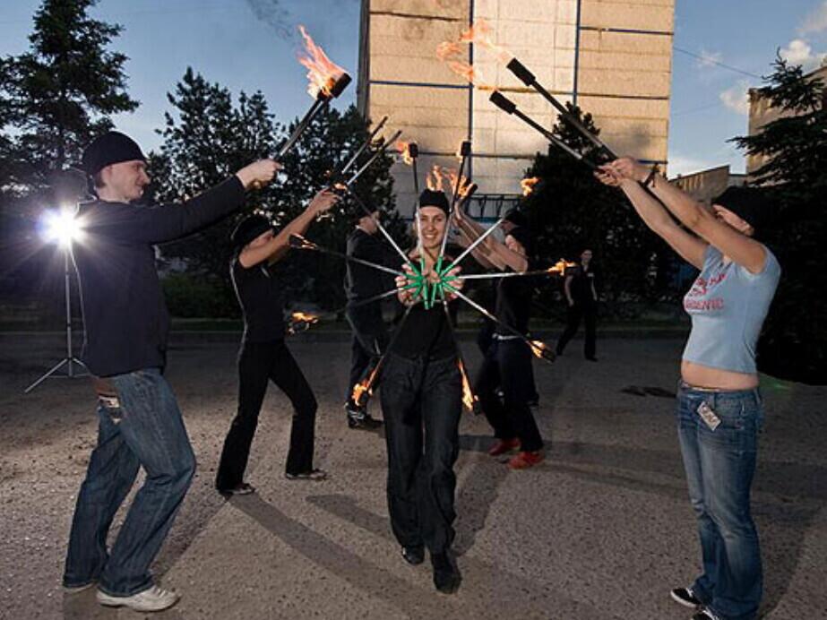 """""""Ugnies valdovų""""  žongliravimo ugnimi kursai"""