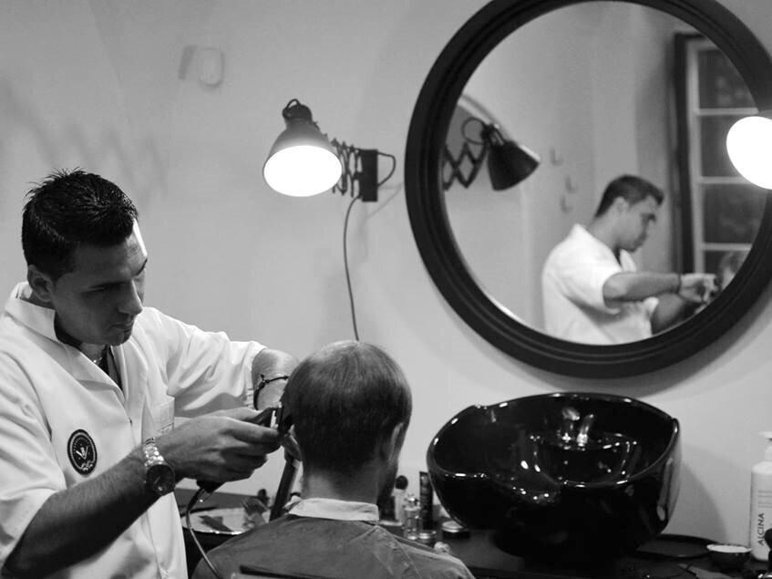 Klasikinis plaukų kirpimas