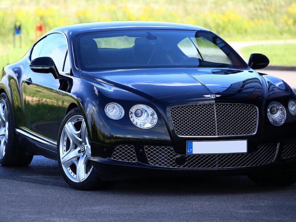 Vairuok įspūdingą Bentley Continental GT W12 Mulliner