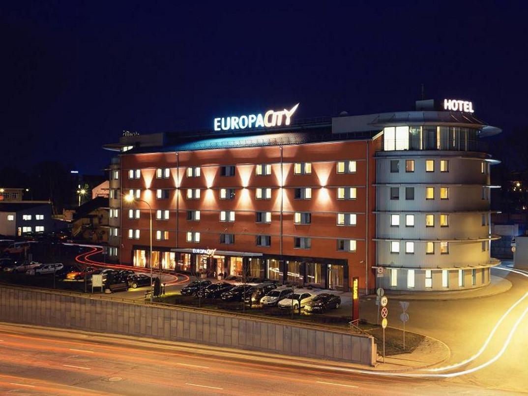 """Nakvynė dviems viešbutyje """"Europa City Vilnius"""" su pramogomis"""