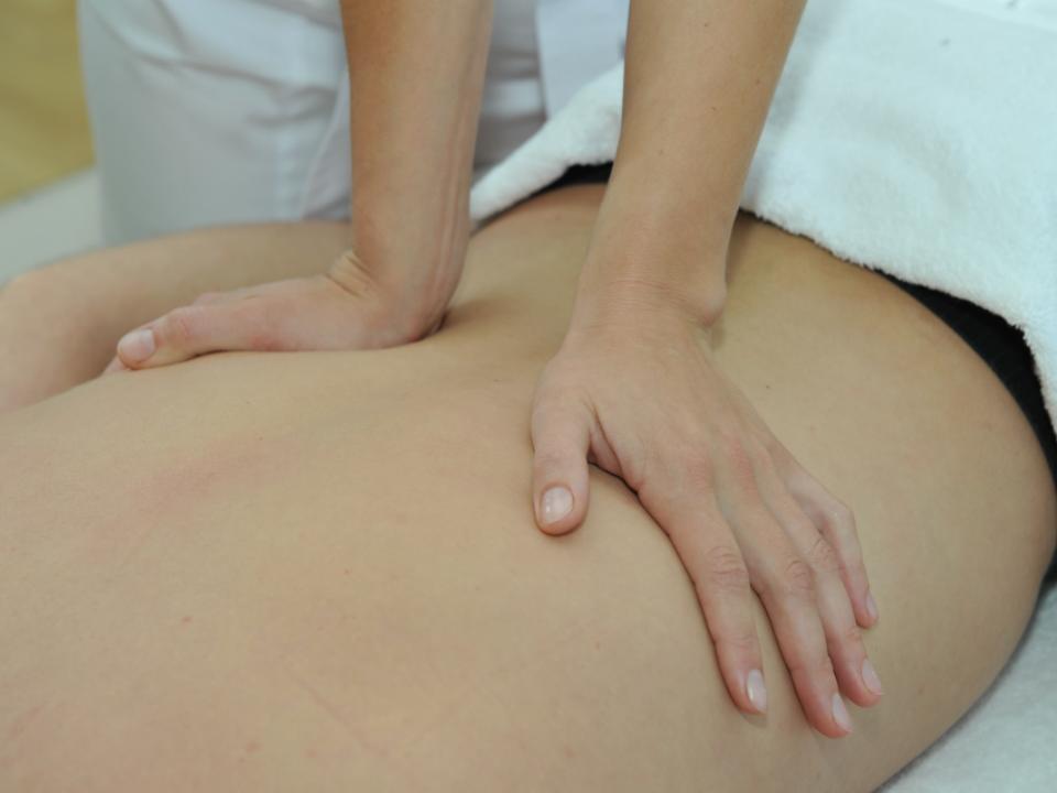 Giluminis viso kūno masažas