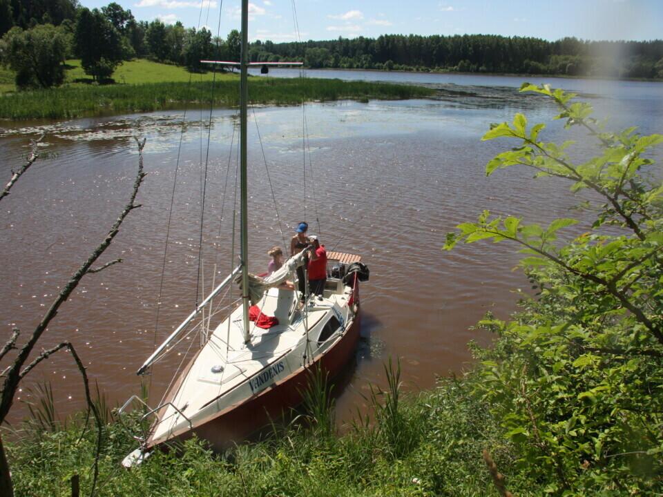 Romantiškas plaukiojimas jachta Kauno mariomis