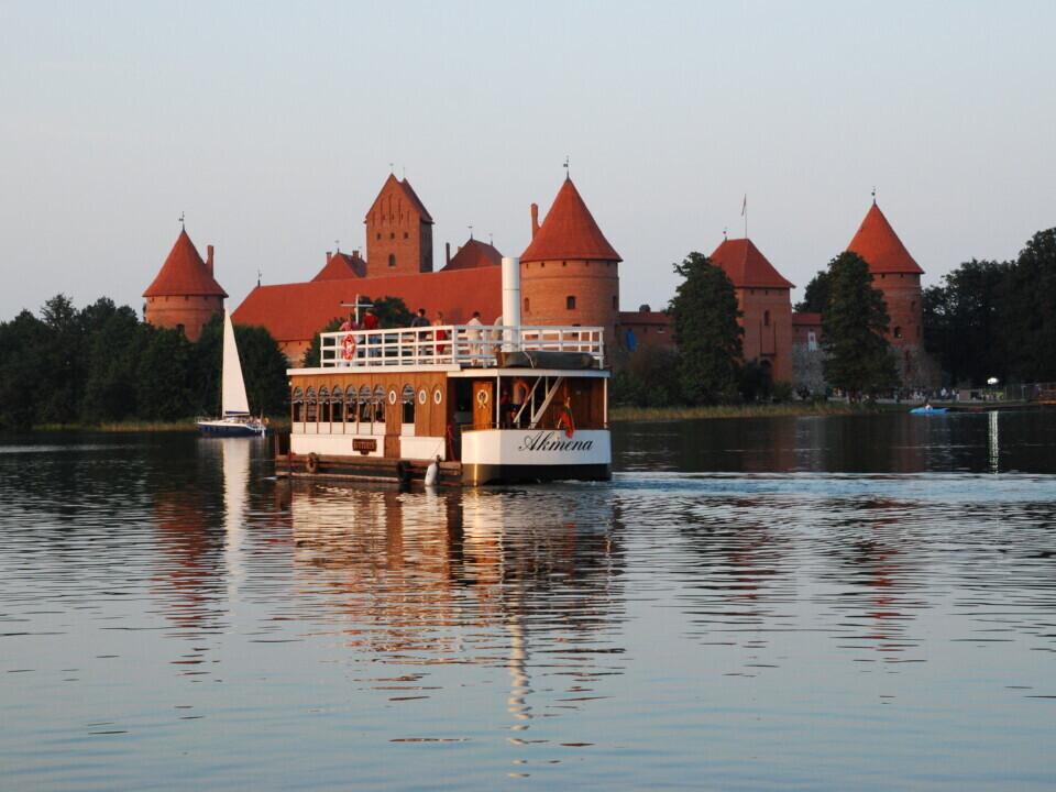 """Ekskursija laivu """"Nepažinti Trakai"""""""