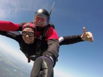 Šuolis dviviečiu parašiutu su instruktoriumi ir šuolio filmavimas
