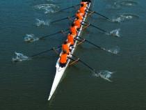 Irklavimo pamoka aštuonviete valtimi