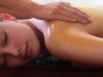 Kūno masažas su aukso losjonu