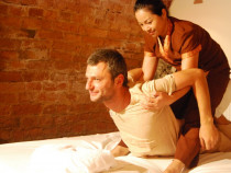 Indonezietiškas Ashiatsu masažas