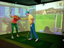 Golfo pamoka simuliatoriumi su prof. golfo žaidėju Arnu Kaunu