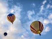 Skrydis oro balionu dviems