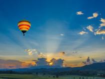 Skrydis oro balionu keturių asmenų kompanijai