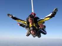 Šuolis dviviečiu parašiutu iš rekordinio 4000 m. aukščio