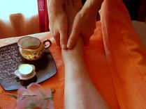 Tajų pėdų masažas su bambuko lazdele